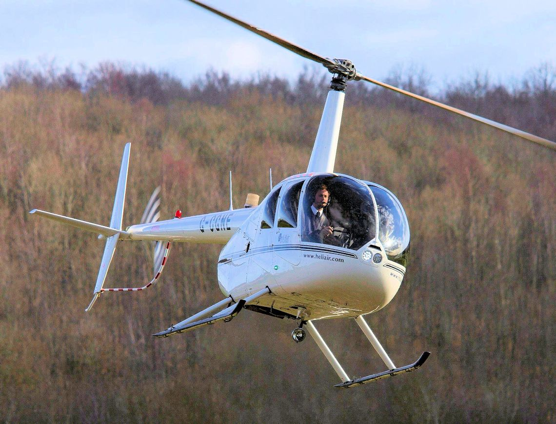 60 Minute Helicopter Lessons - R44 - Learn to fly, UK Training