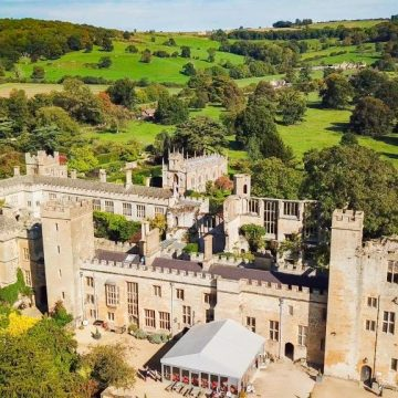 Sudeley Castle Helicopter Tours, Gloucester Helicopter Flights, Sightseeing Tours, Rides near Cheltenham