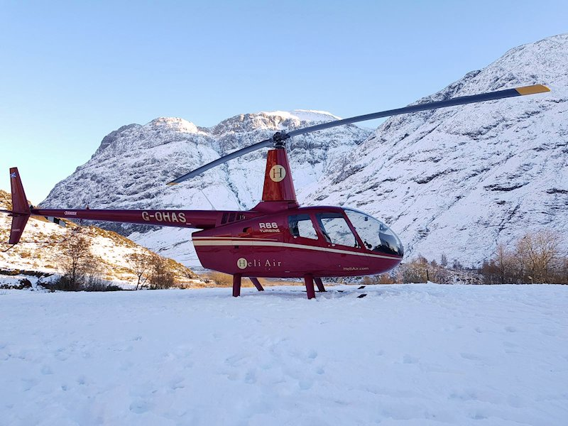 Robinson R66 Turbine Helicopter Charter, VIP Transfers and Helicopter Hire