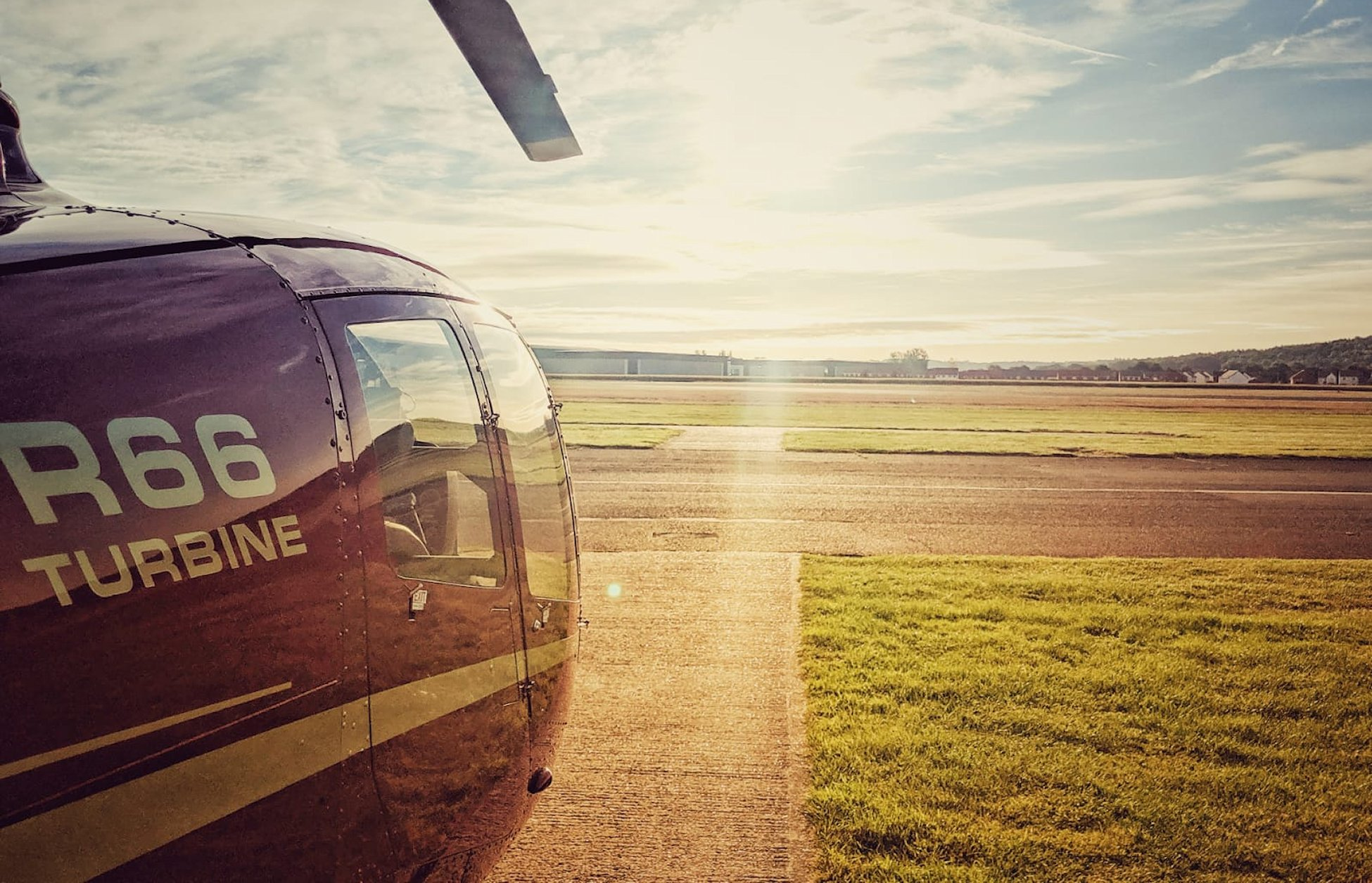 Helicopter Flight Training, Helicopter Lessons & Courses PPL(H) CPL(H) FI(H)